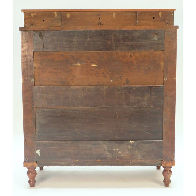 Mid 19th century American Federal Chest Dresser For Sale - Image 4 of 5