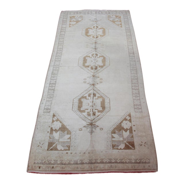 Vintage Turkish Oushak Rug - 4′4″ × 9′6″ For Sale
