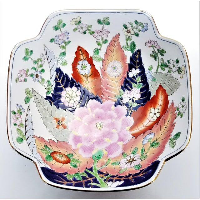 Large Chinese Porcelain Tobacco Leaf Bowl With Gold Trim - Feng Shui - Asian Palm Beach Boho Chic Flowers Peony Tropical Coastal For Sale - Image 13 of 13