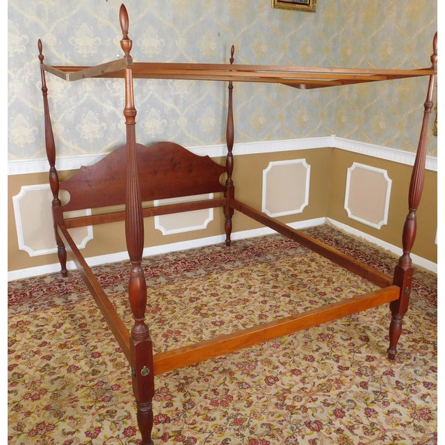Early American Eldred Wheeler Colonial Queen Poster Bed For Sale - Image 3 of 11