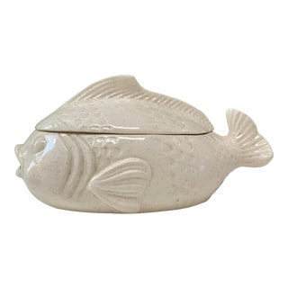 Vintage Off White Ceramic Mid-Century Fish Tureen For Sale