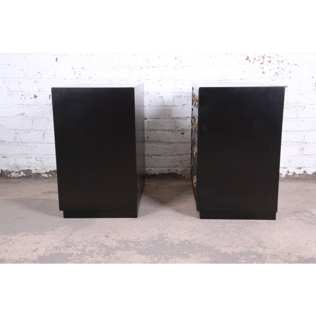 Henredon Mid-Century Hollywood Regency Ebonized Bachelor Chests or Large Nightstands, Pair For Sale - Image 10 of 13