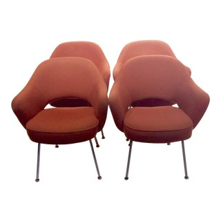 Saarinen for Knoll Mid-Century Modern Coral Red Dining Chairs - Set of 4 For Sale