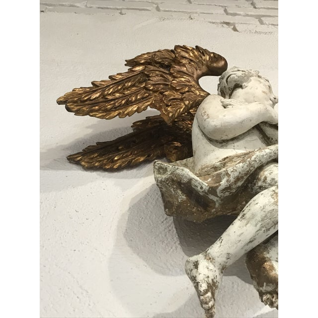 Early 18th Century Wood Carved and Gilded Wood Winged Angels, Spanish Colonial - a Pair For Sale - Image 4 of 10