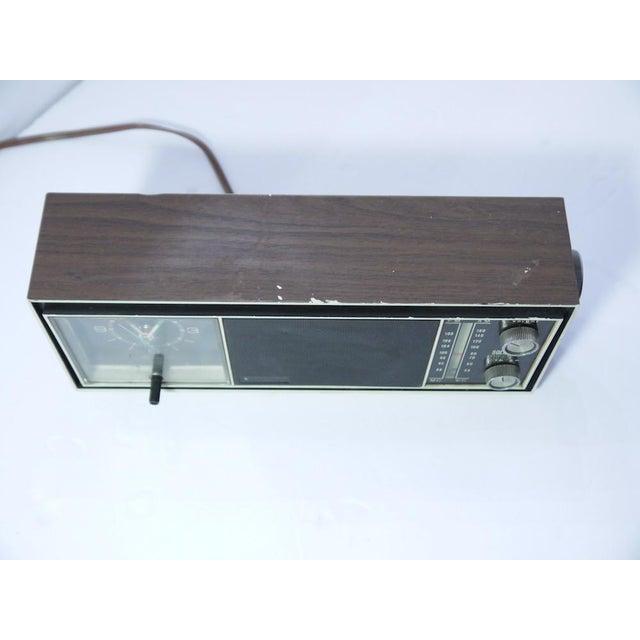 Vintage Telechron Movement Clock Radio For Sale - Image 5 of 7