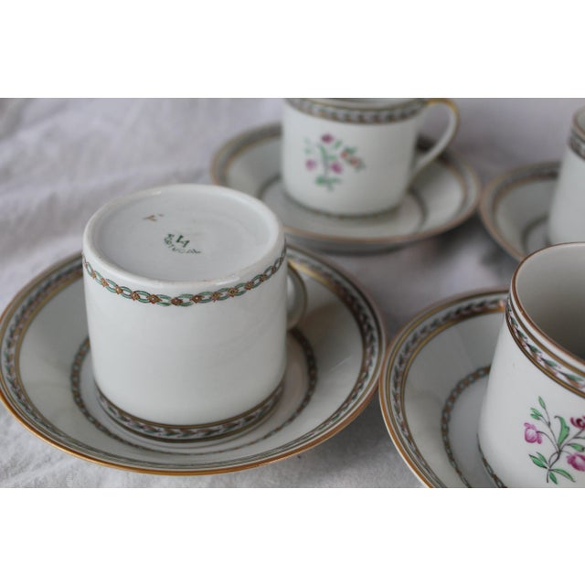 Twelve Vista Alegre Portugal 1950s historically accurate reproduction of Chinese export porcelain cups and saucers. Gilt...