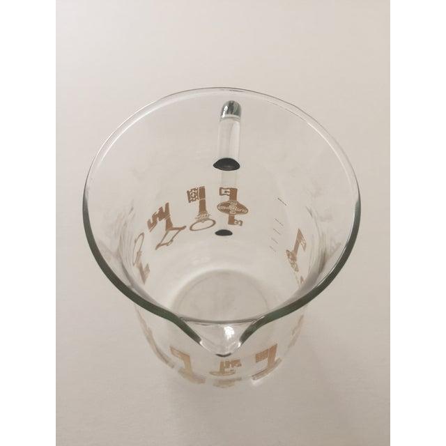 Vintage Pyrex Glass Gold Key Beverage Pitcher - Image 7 of 10