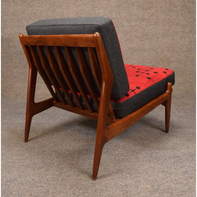 Beech 1960s Mid Century Modern Kofod Larsen for Selig Red and Black Slipper Chair For Sale - Image 7 of 13