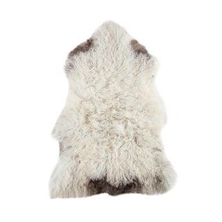 """Contemporary Handmade Wool Sheepskin Pelt - 2'4""""x3'3"""""""