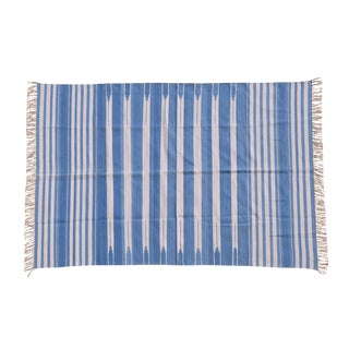 Ivy Rug, 5x8, Cornflower Blue & White For Sale