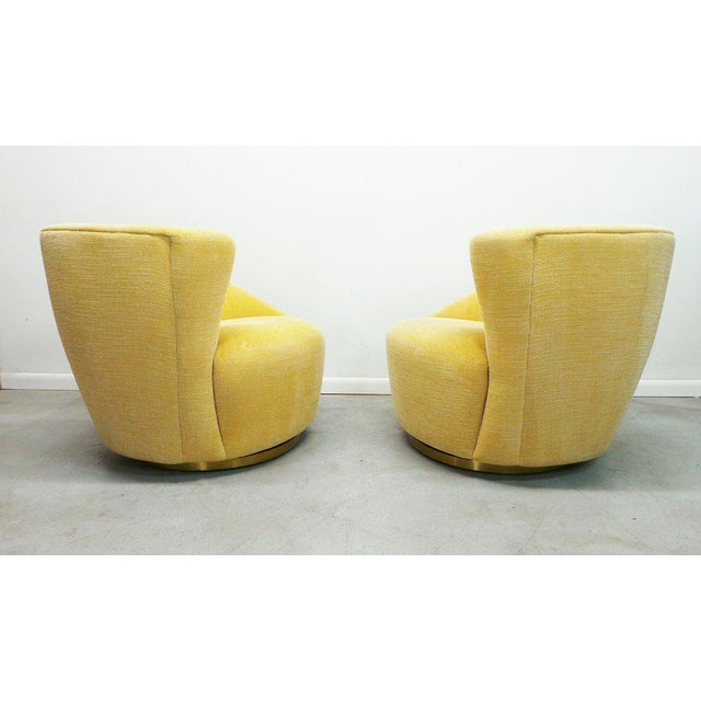 """Yellow Post Modern Vladimir Kagan for Weiman Swivel """"Nautilus"""" Corkscrew Club Chairs- A Pair For Sale - Image 8 of 13"""
