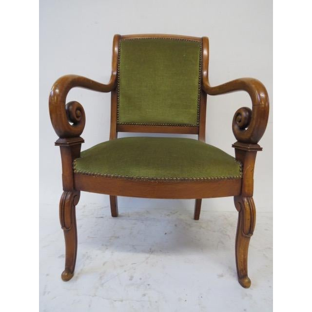 Traditional Director Chair With Curved Arms For Sale - Image 3 of 10