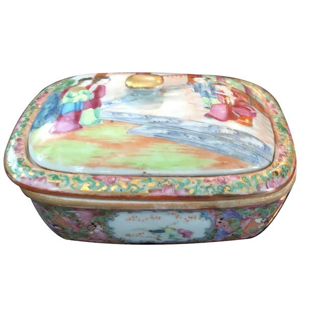 Chinese Early 19th C. Mandarin Porcelain Soap Dish For Sale In Charleston - Image 6 of 6