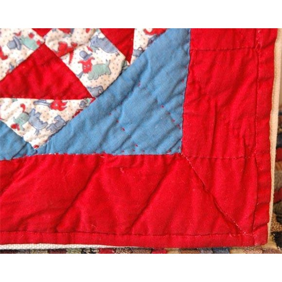 1930s 1930s Red, White and Blue Doll Quilt For Sale - Image 5 of 9