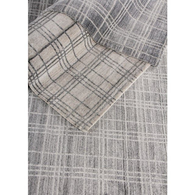 """Wood Cambridge Hand loom Bamboo/Silk Blue/White Rug-14'x18"""" For Sale - Image 7 of 9"""