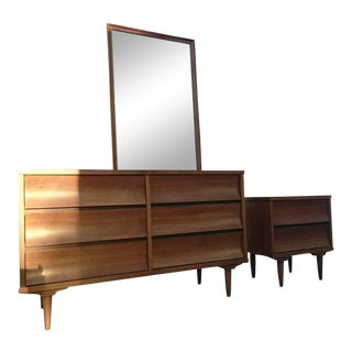 Mid-Century Modern Johnson Carper Bedroom Set- 2 Pieces For Sale