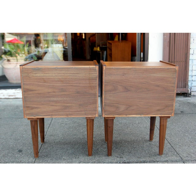 Mid-Century American Walnut Nightstands - A Pair - Image 5 of 10