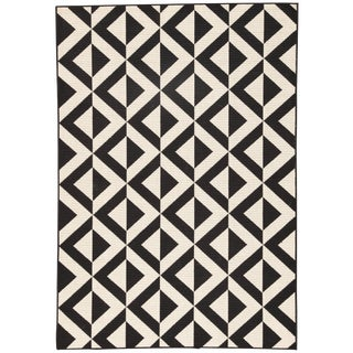 Jaipur Living Marquise Indoor/ Outdoor Geometric Black/ Cream Area Rug - 7′2″ × 10′ For Sale