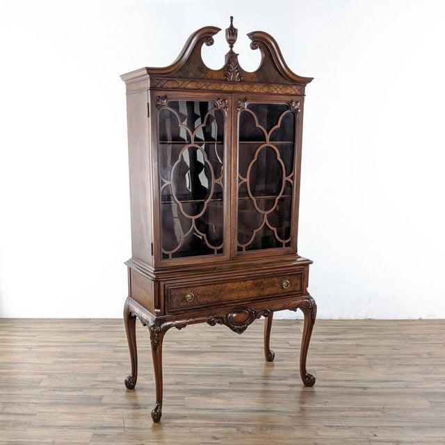 Traditional 1920s Berkey & Gay Mahogany China Cabinet For Sale - Image 3 of 8