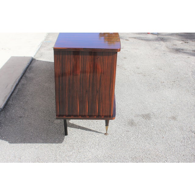 1940s Art Deco Exotic Macassar Ebony Sideboard / Buffet For Sale - Image 9 of 13