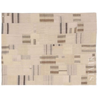 Stark Studio Rugs Traditional Turkish Kilim Wool Rug - 6′3″ × 8′5″ For Sale