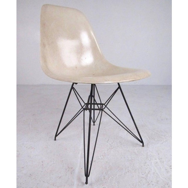 Mid-Century Modern Vintage Charles Eames Eiffel Tower Fiberglass Side Chairs for Herman Miller For Sale - Image 3 of 11