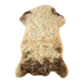"Contemporary Handmade Wool Sheepskin Pelt - 2'0""x3'0"" For Sale"