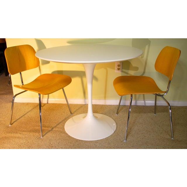 Saarinen White Laminate Dining Table - Image 9 of 9