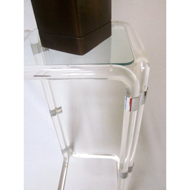 Thick Banded Lucite Pedestal Stand Table - Image 11 of 11