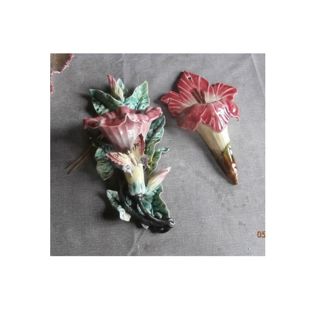 French Country French Majolica Pink Lily Wall Pocket, Circa 1890 For Sale - Image 3 of 4