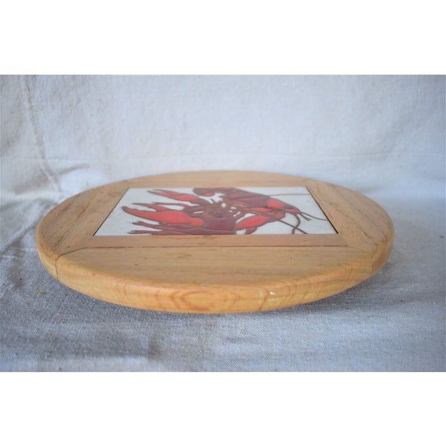 Vintage Lazy Susan Crawfish Serving tray made of wood with a large tile insert depicting two crawfish. This is a pre-owned...