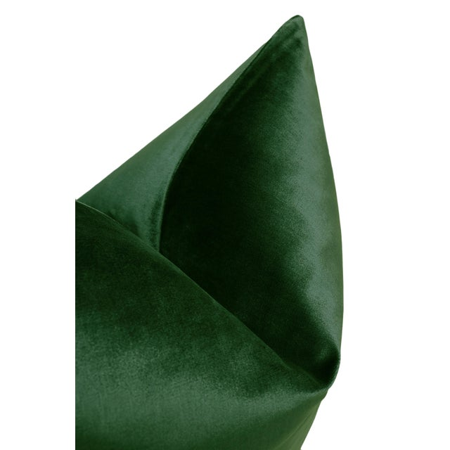 "22"" Italian Silk Velvet Pillows in Emerald - a Pair For Sale - Image 4 of 5"