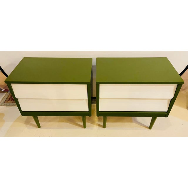 Brown Mid Century Modern Two Tone Nightstands - a Pair For Sale - Image 8 of 13