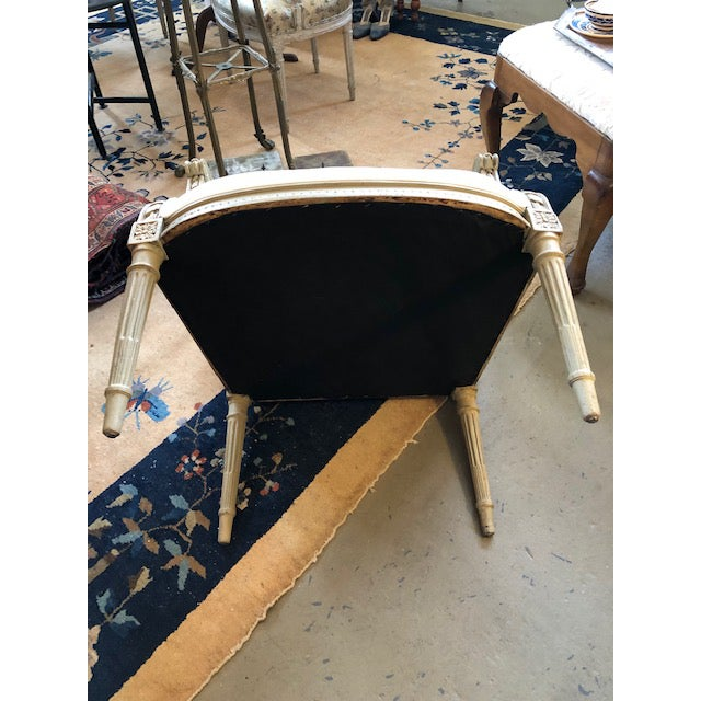White 1900s Vintage Louis VI Style Gray Painted Bergere For Sale - Image 8 of 9