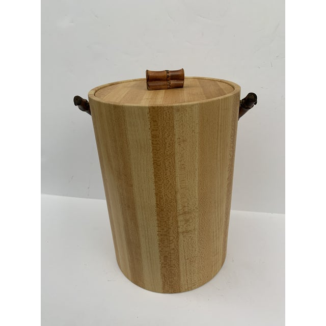 Georges Briard MCM Vinyl and Bamboo Ice Bucket Set For Sale - Image 4 of 13