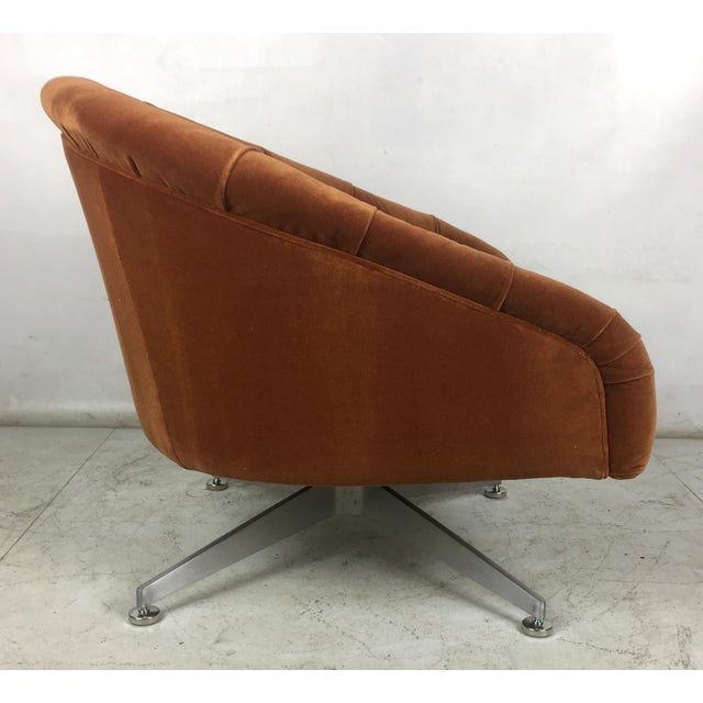 Hollywood Regency Tufted Swivel Chairs by Ward Bennet for Lehigh Leopold - a Pair For Sale - Image 3 of 8