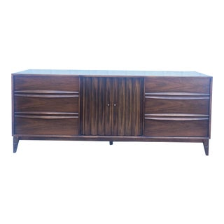 Mid Century Modern Lowboy Dresser by Thomasville For Sale