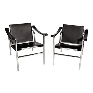 Le Corbusier Lc1 Black Leather Lounge Chairs - a Pair For Sale