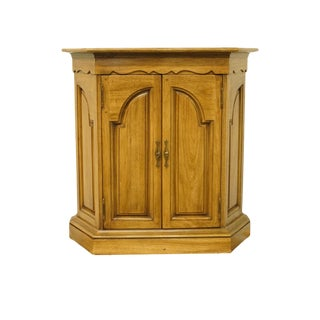 20th Century French Thomasville Furniture Chateau Collection Accent Console Cabinet For Sale