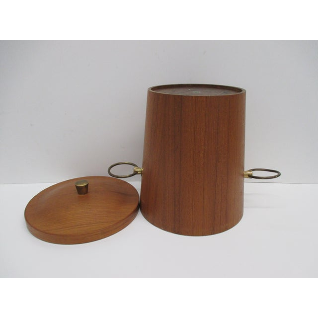 Vintage Mid-Century Modern Ice Bucket With Ears as Handles For Sale - Image 4 of 6