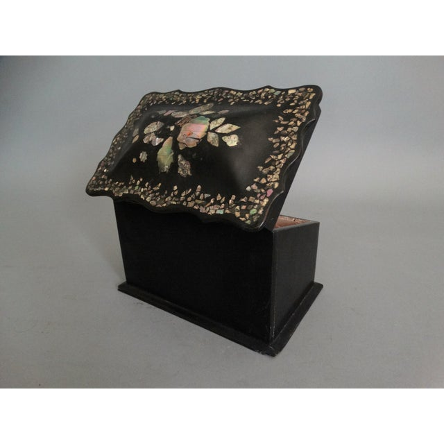 English Traditional 19th-C. English Papier Mache Mother-Of-Pearl Box For Sale - Image 3 of 7