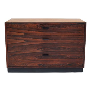 Harvey Probber Rosewood Mid-Century Modern Chest of Drawers For Sale