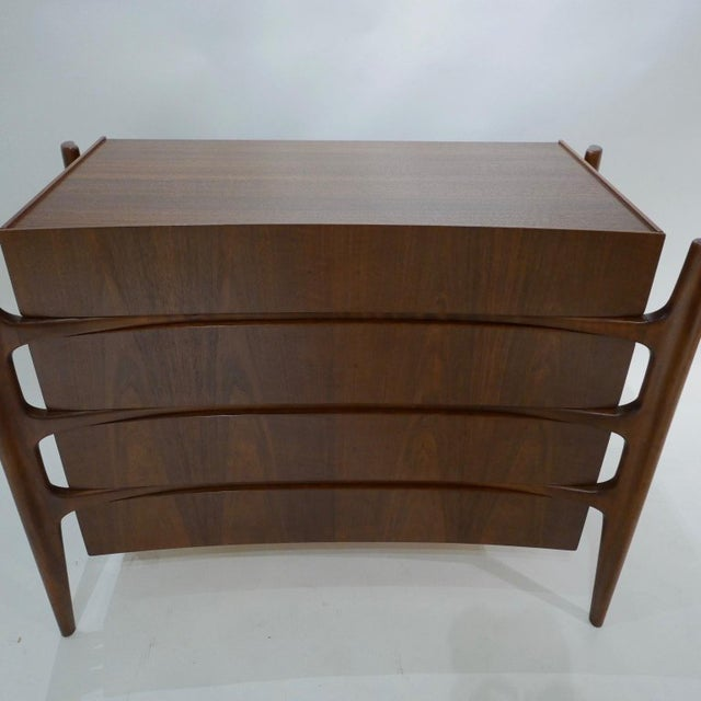 Sculptural William Hinn for Urban Furniture Scandinavian 4 Drawer Walnut Chest For Sale - Image 10 of 11