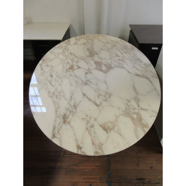 """Metal Florence Knoll 78"""" Calacatta Marble Top Oval Table Desk For Sale - Image 7 of 8"""