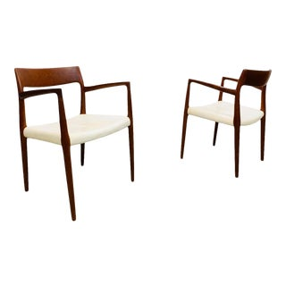 1960s Mid Century Danish Modern Teak Framed, Uncommon White Leather Seat, #57 Arm Dining Chairs by Designer Niels Moller for j.l. Moller - a Pair For Sale