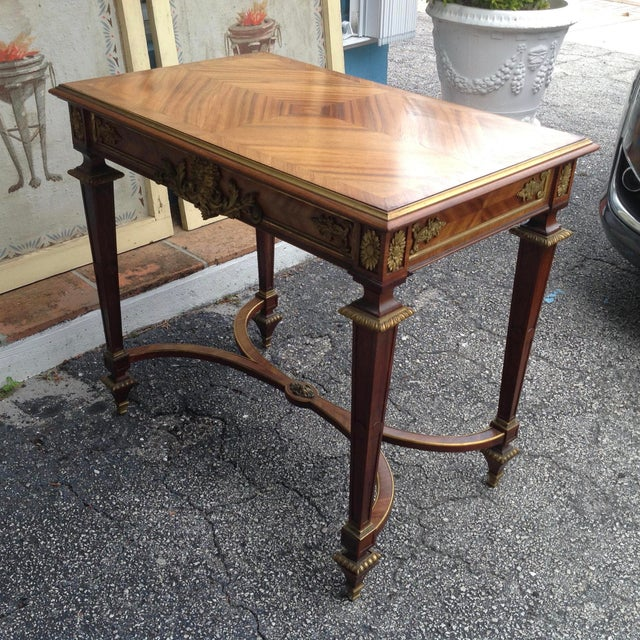 Fine French Ladies Writing Table For Sale - Image 4 of 13