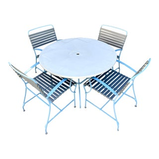 Mid Century Modern Outdoor Patio Dining Table and 4 Chairs in Aluminum & Vinyl For Sale