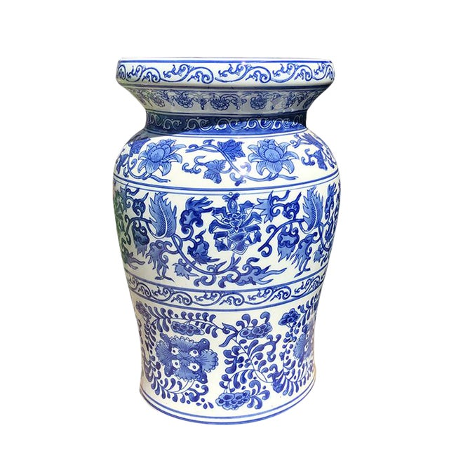 1930s Vintage Blue and White Chinoiserie Ceramic Floral Garden Stool Patio Entertaining Seating For Sale