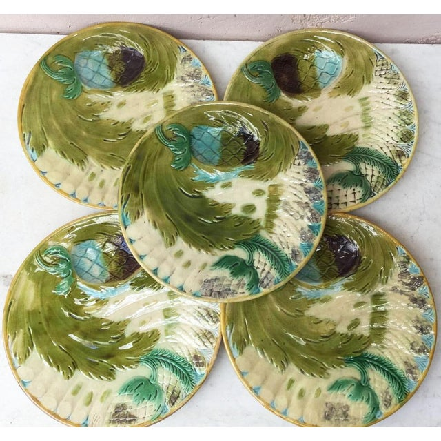 Unusual majolica asparagus plate attributed to Saint Amand, circa 1880. 7 plates are available.