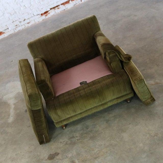 Deep Green Velvet Lawson Style Vintage Club Chair Mid Century Modern - Image 8 of 11